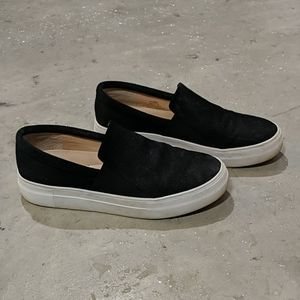 Vince Camuto Sneaker